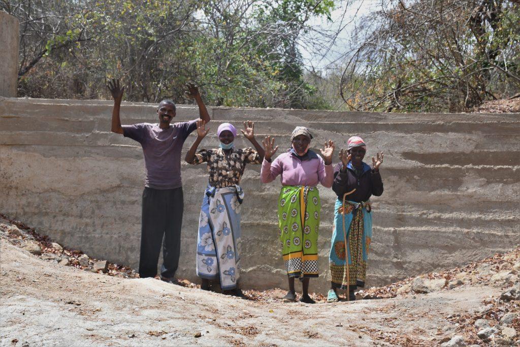The Water Project : kenya21414_celebrating