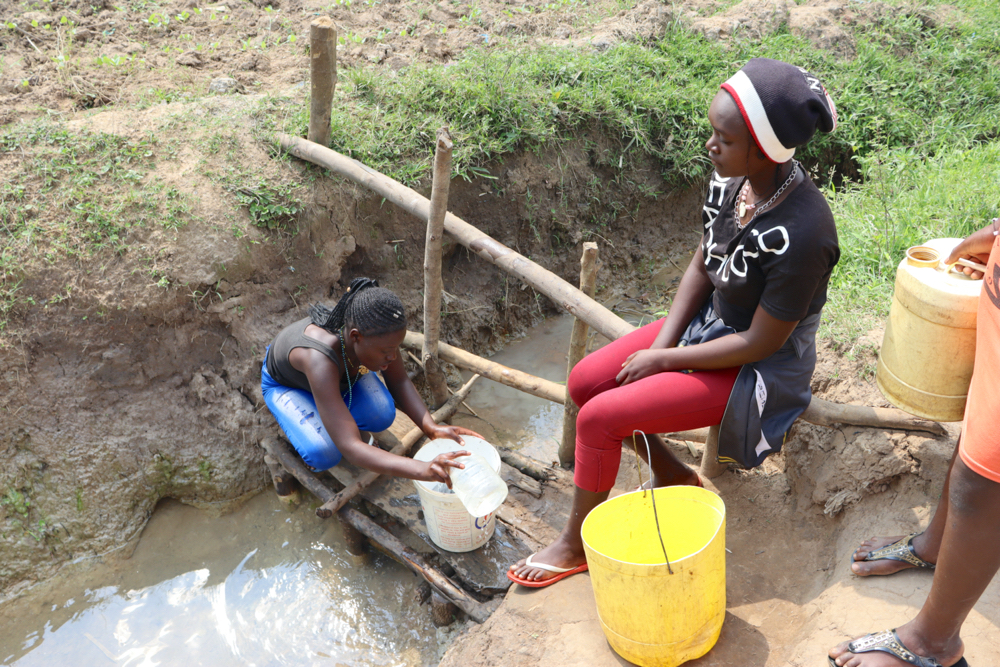 The Water Project : 21028-kenya20198-fetching-water-3-2