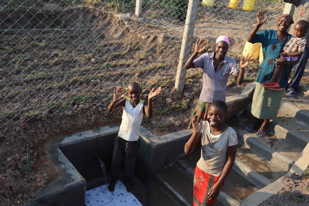 The Water Project : kenya21056-0-satisfied-customers